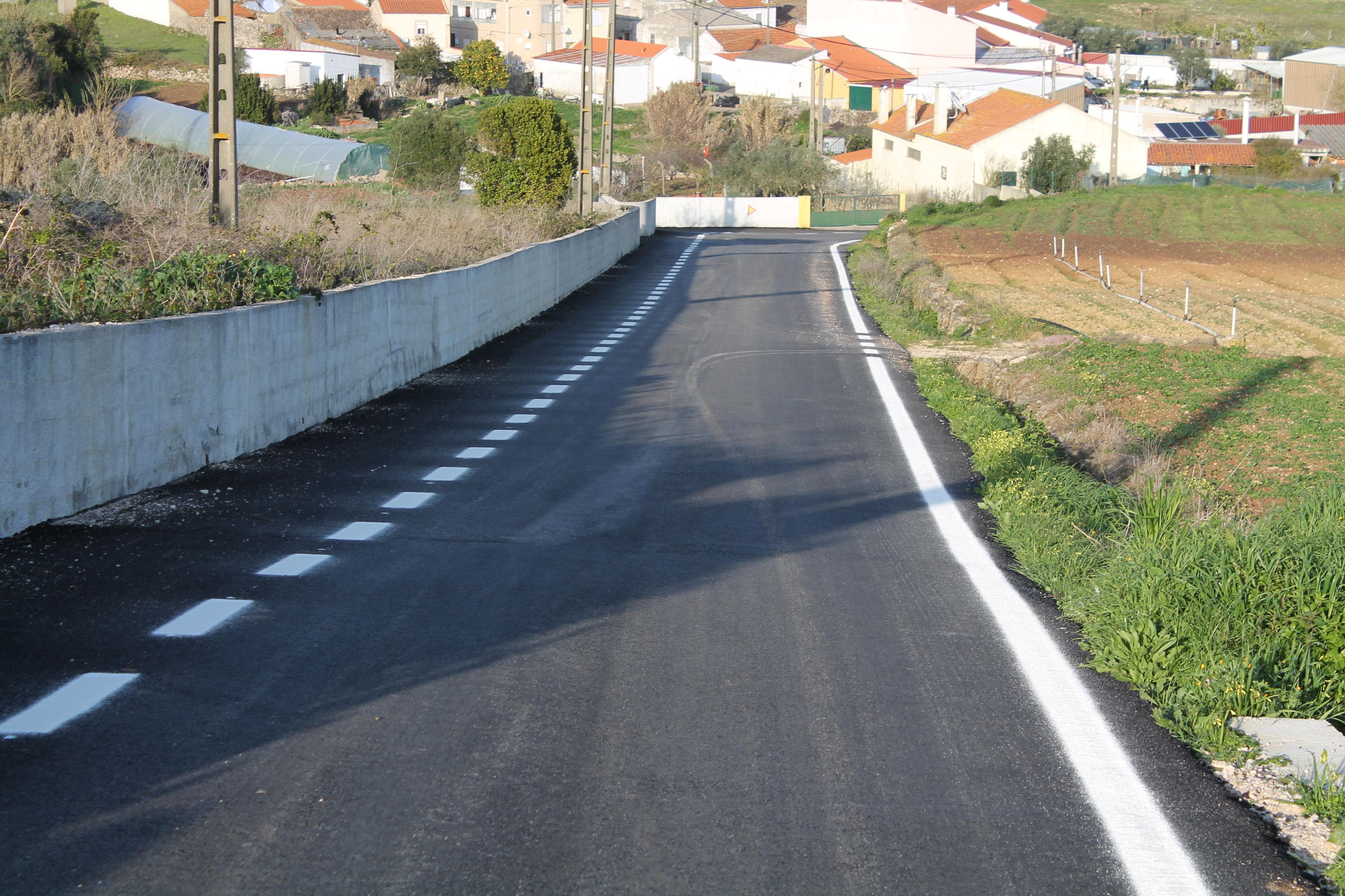 CASAINHOS -(c) Aumentamos a Segurança – Marcação de guias horizontais na Estrada das Hortas, Casainhos, EM 541 Casainhos-Fanhões e Estrada da Torre-EM 341.