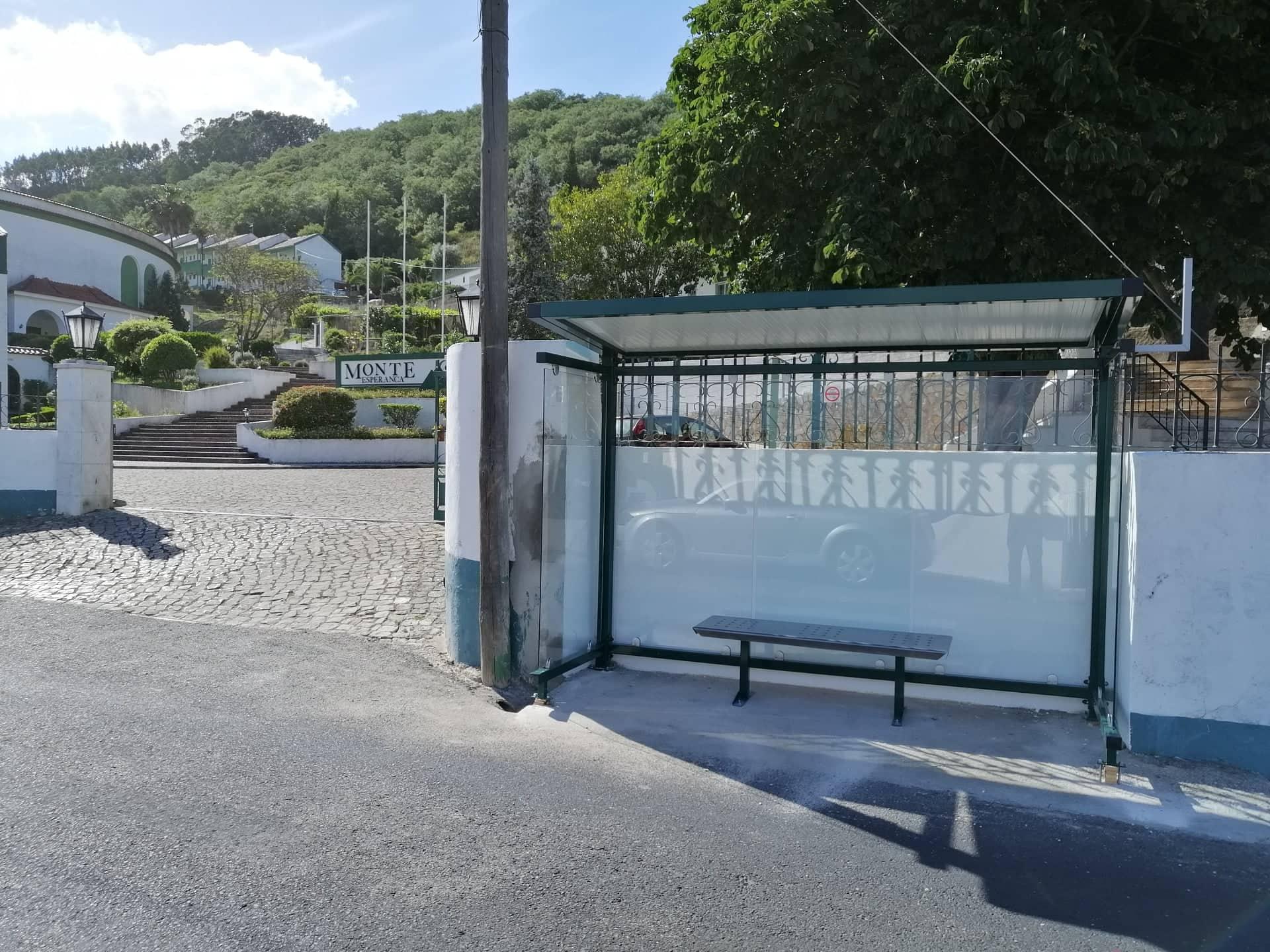 FANHÕES – Nova Paragem Rua Alfredo Caldeira -Monte Esperança. A partir de hoje todas as Paragens da Freguesia estão Renovadas!