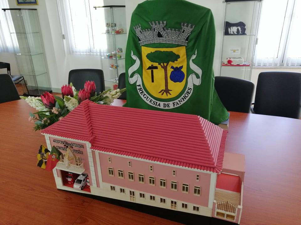 ARTESÃO JOAQUIM FRANCO – Apresenta o seu último trabalho, o Edifico Sede da Associação Humanitária de Bombeiros Voluntários de Fanhões. Um Icone do Património Histórico Associativo da Freguesia de Fanhões!