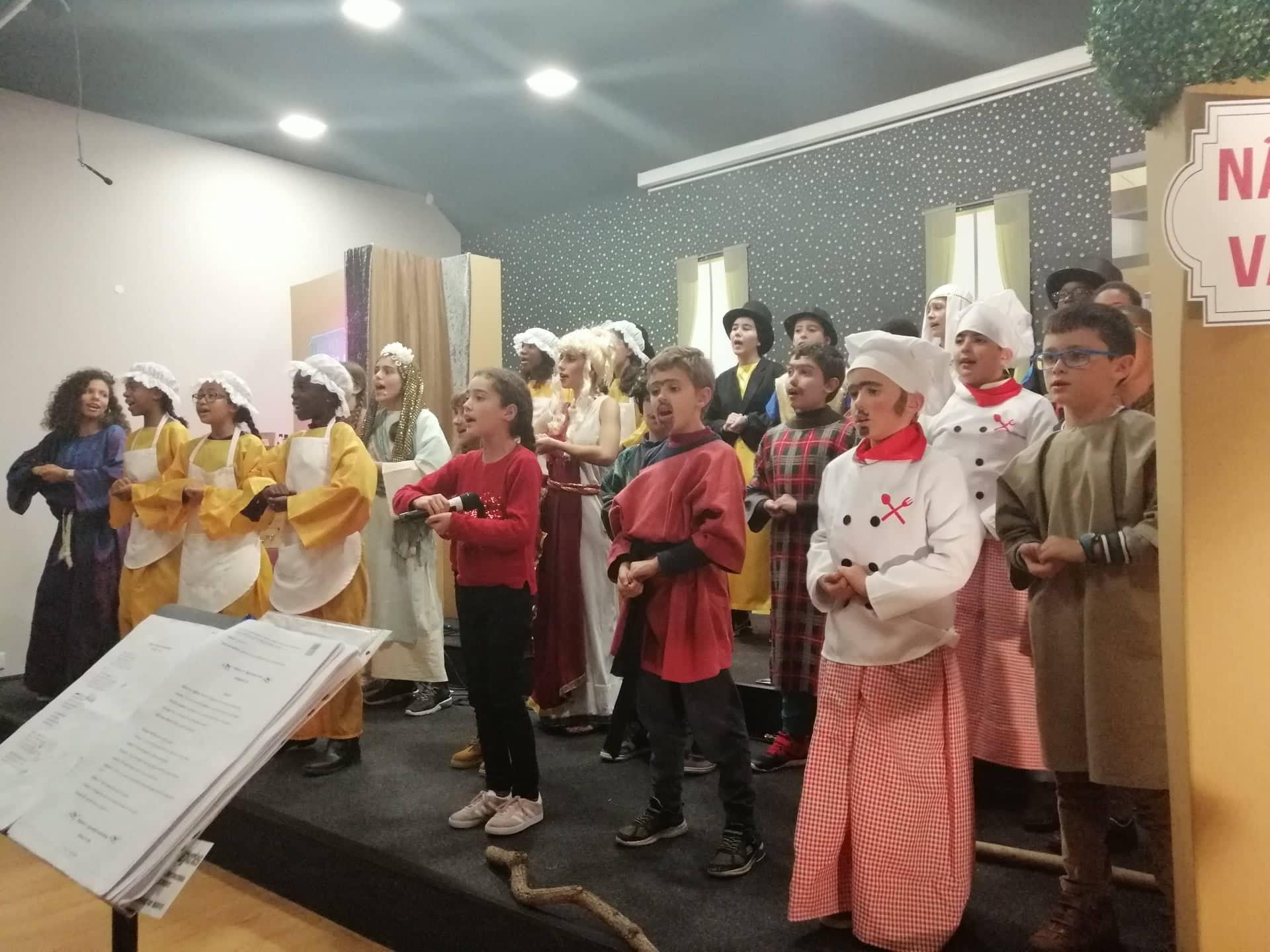 FESTA DE NATAL – IGREJA EVANGELICA DE FANHÕES – JOVENS DERAM VIDA À MENSAGEM DE NATAL COM UM ESPÉTACULO DE TEATRO!
