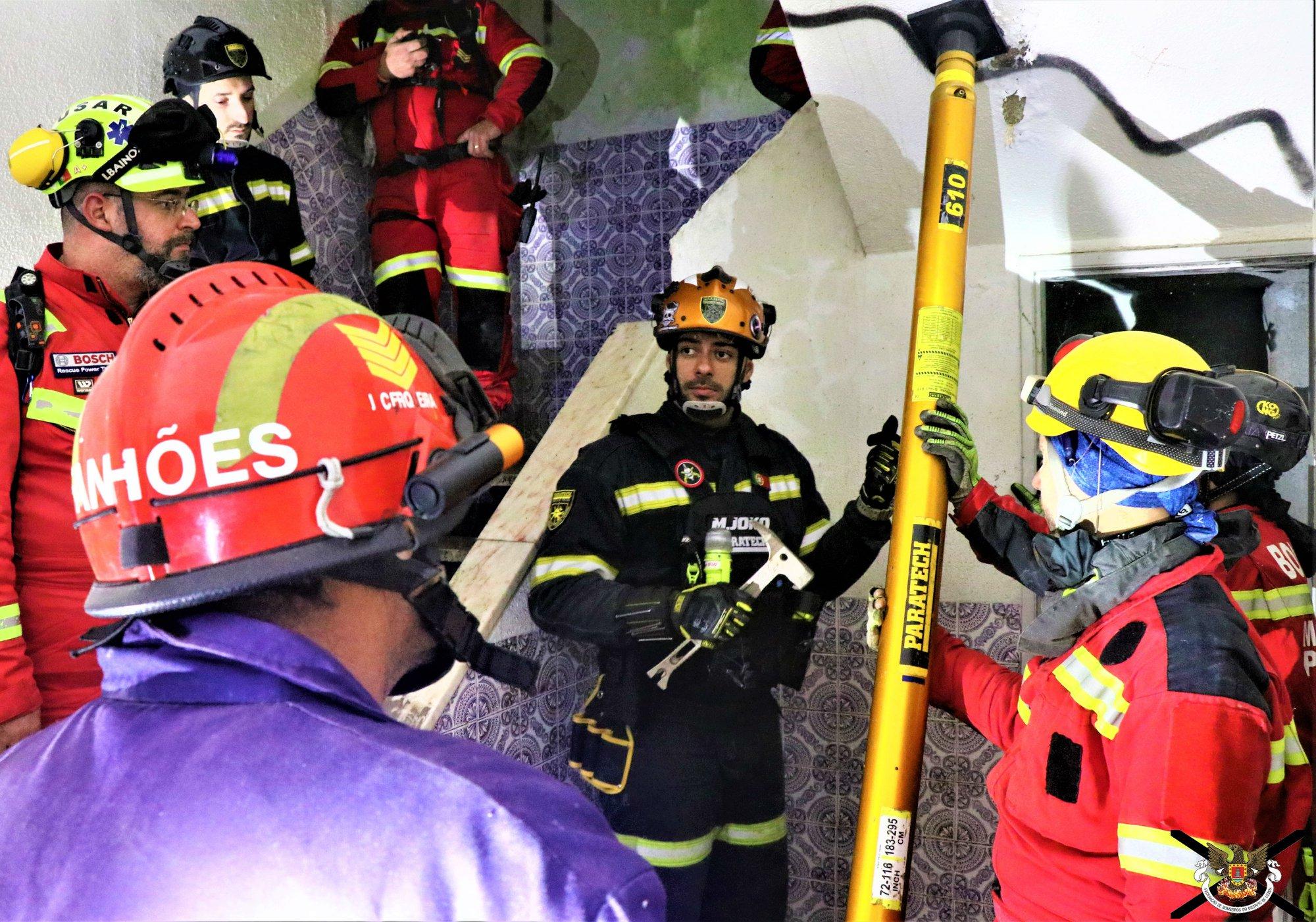 Exercício de busca e resgate em estruturas colapsadas (BREC) realizado na Quinta de São Gião – Cabeço de Montachique, tendo envolvido alguns dos Corpos de Bombeiros do Concelho de Loures.