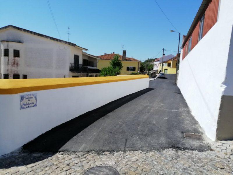 FANHÕES -(f) Asfaltamento da Travessa do Matadouro, Rua do Matadouro e Rua Luís Simões Castelo. Um melhoramento significativo em toda esta zona!