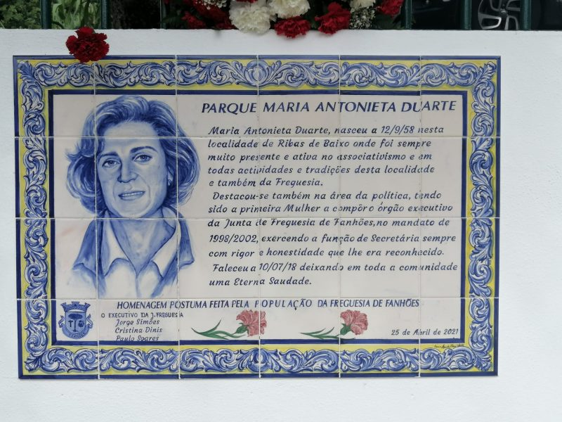 RIBAS DE BAIXO -(rb) Homenagem a Maria Antonieta Duarte, Mulher de Liberdade e Causas que jamais esqueceremos neste dia 25 de abril que também era o seu dia!