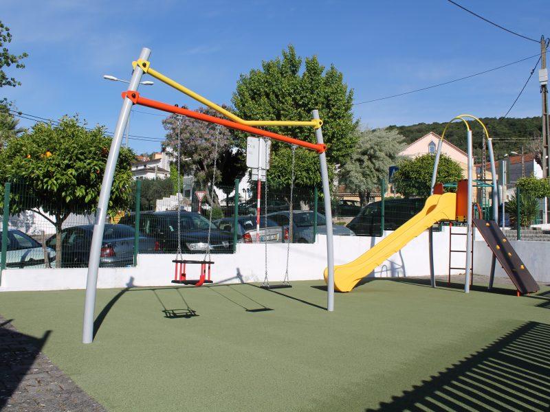 FANHÕES -(f) Parque Infantil de Fanhões – Novos Brinquedos e Equipamentos !