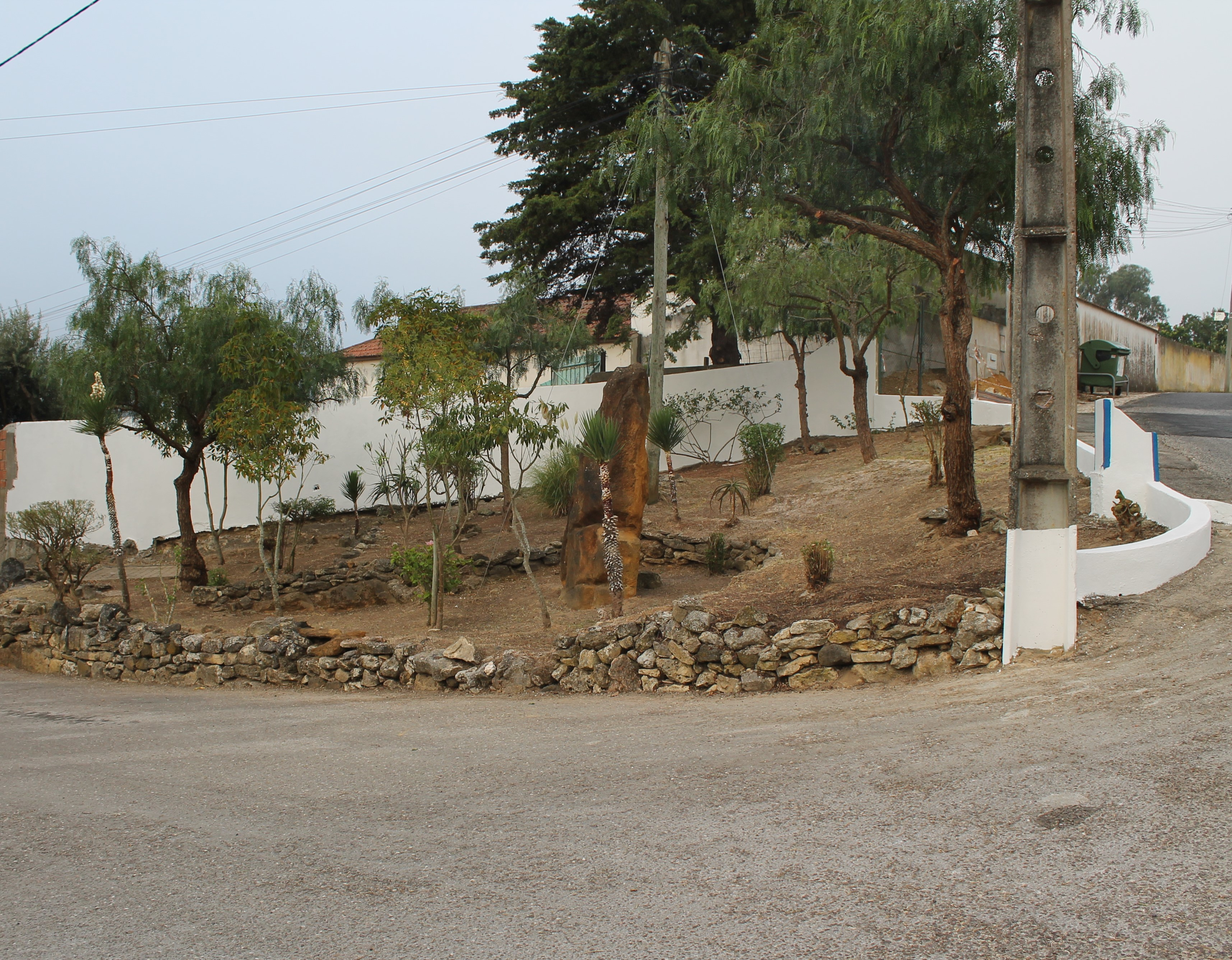RIBAS DE CIMA -(rc) Requalificação do Jardim da Rua Luis de Camões