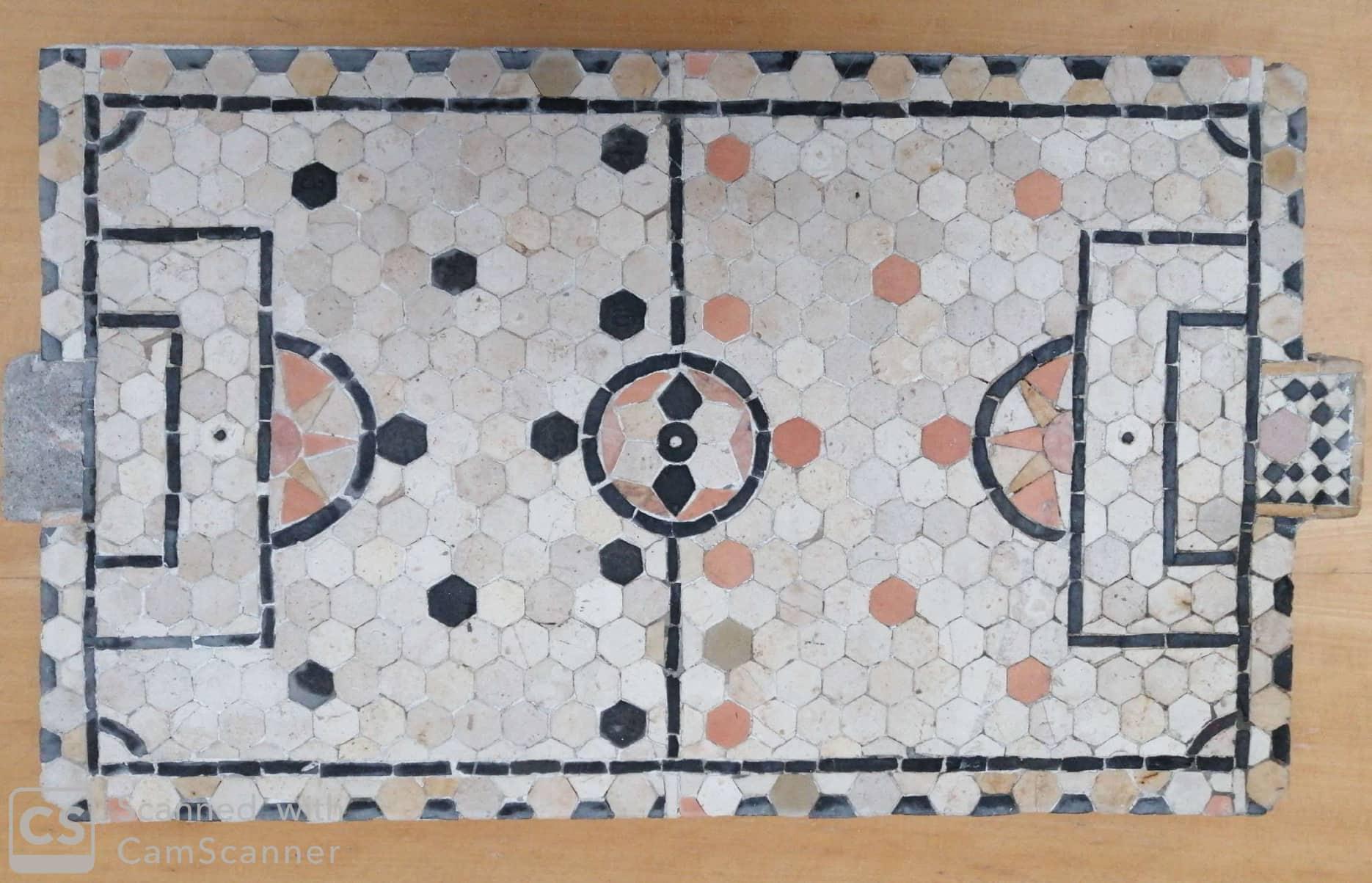Campo de Futebol em Calçada – Uma obra do calceteiro Manuel Vicente Dinis (Manuel Toneco) – recuperada e em exposição na Junta de Freguesia !