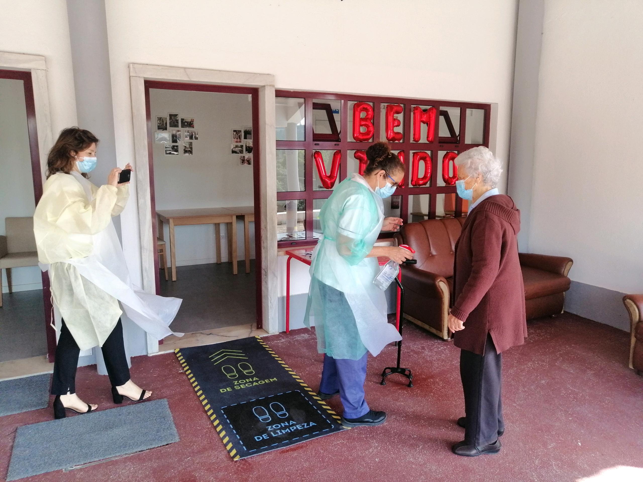 Centro Social e Paroquial de São Saturnino de Fanhões – Centro de Dia – Reabriu e recebe os nossos idosos com todas as medidas de segurança!